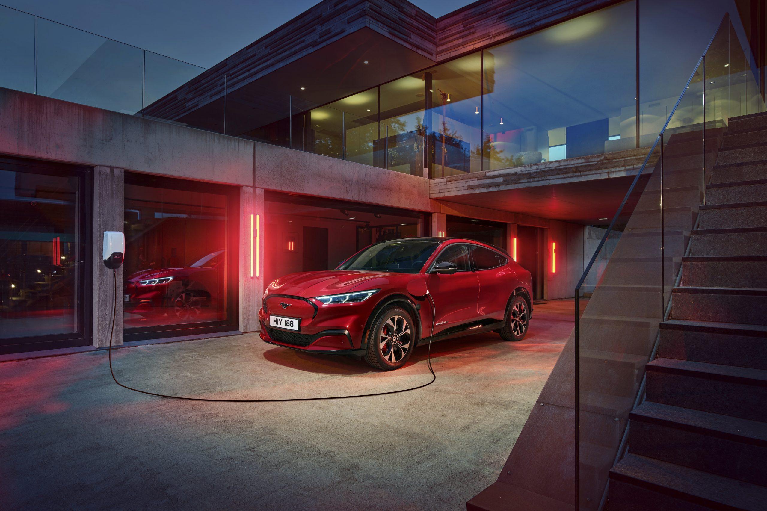 100 % elektrisk køreglæde: Ford Mustang Mach-E kører dig ind i fremtiden